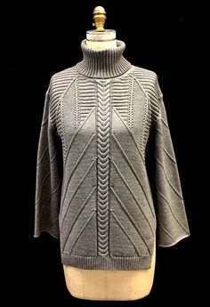 Designer: Carolina Ocejo De La Fuente knitGrandeur: FIT & Baruffa 2/30s Cashwool Collaboration: Term Garment Project