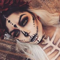 These Halloween Makeup ideas are the best! You have to take a look at these easy. - - These Halloween Makeup ideas are the best! You have to take a look at these easy Halloween makeup ideas because they are pretty scary! Halloween Makeup Looks, Creepy Halloween, Costume Halloween, Halloween Ideas, Halloween Office, Halloween Skeleton Makeup, Halloween Nails, Halloween Party, Halloween Stuff