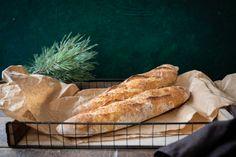 Bagety z lievito madre - Chuť od Naty: Foodblog o chutnom jedle a ... Bon Appetit, Food, Breads, Kitchen, Basket, Bread Rolls, Cooking, Essen, Kitchens