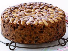Cake Preparation, Health Food Shops, Mango Jam, Indian Cookbook, Individual Cakes, Small Cake, Baking Tins, Just Cooking, Cake Tins