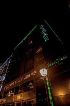 El Oscar de Room Mate, un lugar Like No Other para una noche única. Brockmans Gin, Gin Festival, Premium Gin, Broadway Shows, Neon Signs, Festivals, Pictures, Events, Inspired