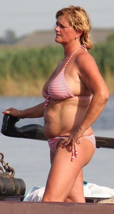 Mature beauty granny torrie ATTRACTIVE MATURE WITH