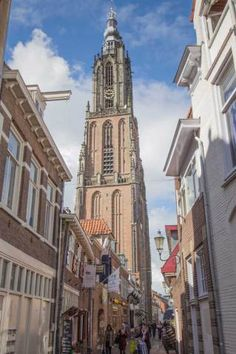 Wat te doen in Amersfoort? Places To Travel, Places To Visit, Building Painting, Holland Netherlands, Empire State Building, Notre Dame, Amsterdam, Dutch, Beautiful Places