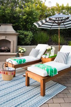 Summer is around the corner and we are getting ready to spend time outdoors. Sharing our preppy lounge area. The lemonade is chilled so come on over.