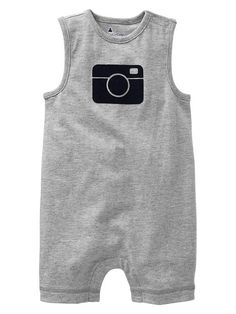 Cute baby shower gift idea for a photographer mom/dad! (Or an instagram mom/dad!)