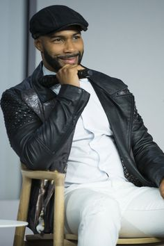 12 Photos of Omari Hardwick Being Humble and Sexy At the Same Time Gorgeous Black Men, Handsome Black Men, Beautiful Men, Gorgeous Guys, Handsome Man, Black Man, Bald Head With Beard, Omari Hardwick, Taylor Kitsch