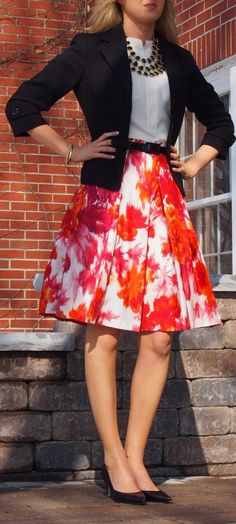 elegant outfit idea_black blazer + blouse + heels + floral skirt