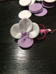 Le Impronte di Minush: Orchidea in Feltro - realizzabile in qualsiasi colore e abbinamento