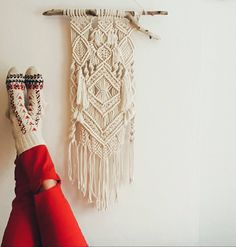 Winter mood! It is snowing outside for days. I'm enjoying the view with drinking sahlep, coffee, tea, hot wine. I did all rituals :) Wait! i should roast some chestnuts. :p  #wintermood #mondaymotivation #macrame #modernmacrame #knots #handmade #studiosobe #danubecollection #tunaserisi #uohome #homedesign #homedecor #wallhanging