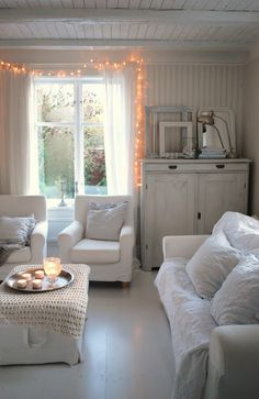 All Things Shabby and Beautiful Cottage Shabby Chic, White Cottage, My Living Room, Home And Living, Piece A Vivre, White Rooms, Home And Deco, White Houses, White Decor