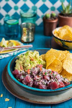 Light, fresh, packed with flavour and so easy to make. Serve with plenty of nachos for scooping and cooling guacamole. Mexican Food Recipes, Healthy Recipes, Ethnic Recipes, Healthy Meals, Tuna Ceviche, Guacamole Salsa, Latin American Food, Food Festival, Tex Mex