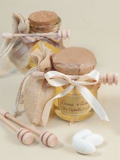 wedding favors for guests Wedding Favour Jars, Homemade Wedding Favors, Wedding Shower Favors, Wedding Gifts For Guests, Rustic Wedding Favors, Cute Wedding Ideas, Diy Wedding, Olive Oil Packaging, Partys
