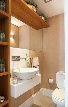 Casa de Tamboré: Banheiros modernos por Silvana Lara Nogueira