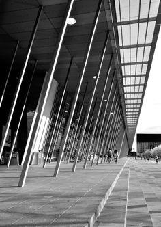'House of Sticks'. Melbourne Exhibition Centre, Spencer Street, Melbourne. © G.C. Campbell.