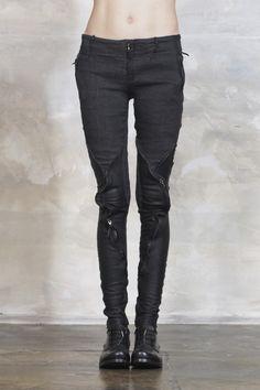 15SOL BLACK SANCHIR PANTS by TSOLO MUNKH