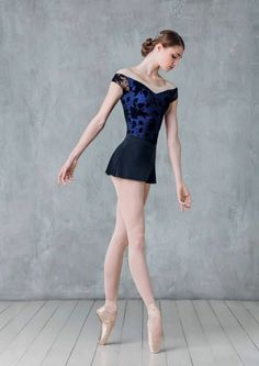 Modern-day dancewear and top-rated leotards, jazz, tap and ballet shoes, hip-hop clothing, lyricaldresses. Dance Picture Poses, Dance Poses, Ballet Girls, Ballet Dancers, Hip Hop Outfits, Dance Outfits, Tutu Skirt Women, Dancer Photography, Ballet Clothes