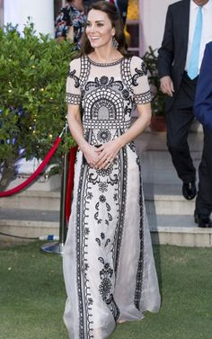 How The Duchess has mastered frockery: the art of using frocks to flatter nations