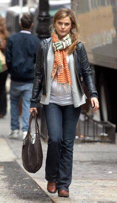Pregnant Keri Russell (1200×2073)