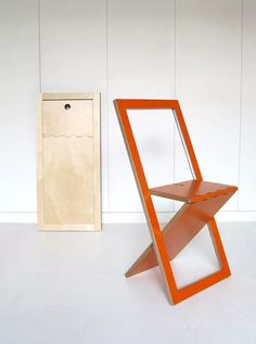 Plywood Furniture Design Folding Chairs Ideas For 2019 Folding Furniture, Refurbished Furniture, Plywood Furniture, Pallet Furniture, Furniture Makeover, Furniture Decor, Furniture Design, Pallet Chairs, Wood Chairs