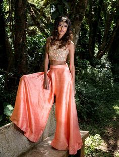 Look Drop Dead Gorgeous With These 13 Trending Diwali Outfits Dress Indian Style, Indian Fashion Dresses, Indian Designer Outfits, Kurti Designs Party Wear, Lehenga Designs, Indian Wedding Outfits, Indian Outfits, Indian Clothes, Wedding Dresses