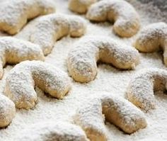 Apricot Crescent Cookies Find ingredients for this recipe  and other Armenian Food at http://www.allaboutcuisines.com/online-shops/armenia #Armenian Food #Armenian Recipes