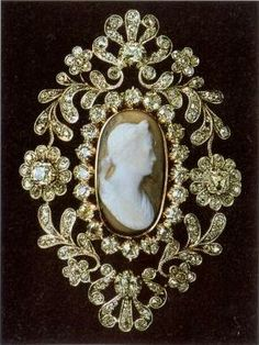 Swedish royal family cameo brooch