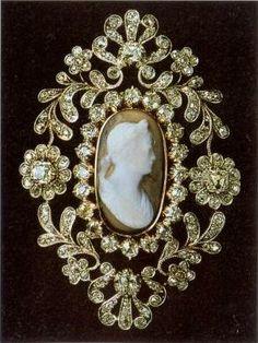 Swedish royal family cameo brooch