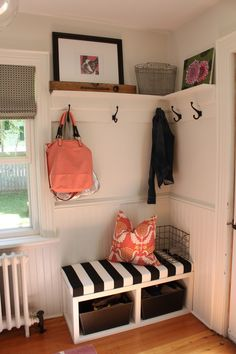 Let these mudroom entryway ideas welcome you home. Instantly tidy up and organize your hallway or entryway with industrial mudroom entryway. Farmhouse Dining Room Table, Rustic Farmhouse, Dining Bench, Hall Bench, Victorian Farmhouse, Dining Nook, Farmhouse Ideas, Dining Tables, Living Room Decor