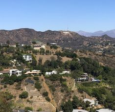 With a lot of the United States currently under a deep freeze, this is what Los Angeles and Hollywood weather looks like in November and December. Glitterati Tours (Beverly Hills) - 2018 All You Need to Know BEFORE You Go (with Photos) - TripAdvisor Hollywood California, Southern California, Deep Freeze, Famous Landmarks, Beverly Hills, Need To Know, Movie Stars, Trip Advisor, Grand Canyon