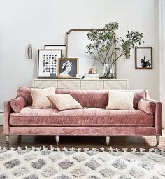 Pink couch and fluffy rug in the living room. Home decor and interior decorating ideas My Living Room, Home And Living, Living Spaces, Modern Living, Small Living, Modern Rugs, Modern Art, Luxury Living, Blush Living Room