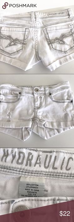 Nwot white with grey stitching low jean shorts Super cute low waisted white with light gray stitching designer jeans shorts Hydraulic Shorts Jean Shorts