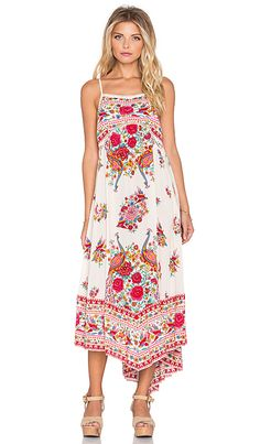 Spell & The Gypsy Collective Hotel Paradiso Strappy Maxi Dress en Perle | REVOLVE