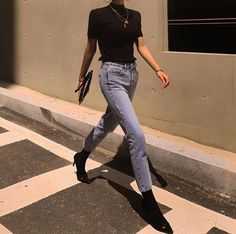 Names denim jeans Smart Casual Women Jeans, Denim Jeans, Mom Jeans, Love Fashion, Fashion Outfits, Fashion Design, Jeans Price, Lambskin Leather Jacket, Jeans Style