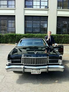 1974 Mercury Marquis. If I could drive and I could afford it, THIS would be my car. Mercury Marquis, Mercury Cars, Full Frontal, Lincoln Continental, Airstream, Vintage Cars, Classic Cars, Automobile, Ford