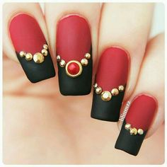 Matte Blk. Red. Nail Art ❤