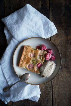 Sugar-free rhubarb pie & cardamom and vanilla nicecream — Cake and beans Rhubarb Pie, Nice Cream, Sugar Free, Vanilla, Vegetarian, Cheese, Eat, Inspiration, Food