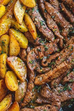 Garlic Butter Steak and Potatoes Skillet & This easy one-pan recipe is SO simple, and SO flavorful. The best steak and potatoes you& ever have! The post Garlic Butter Steak and Potatoes Skillet appeared first on Food Monster. Potato Recipes, Meat Recipes, Healthy Dinner Recipes, Cooking Recipes, Meat And Potatoes Recipes, Steak And Potato Casserole Recipe, Recipies, Cooking Steak, Hamburger Recipes