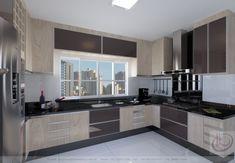 Window above loft Smart Kitchen, Modern Kitchen Cabinets, Kitchen Units, Kitchen Furniture, New Kitchen, Kitchen Room Design, Interior Design Kitchen, Kitchen Decor, Luxury Kitchens