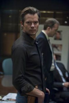 Timothy Olyphant plays Raylan Givens in Justified.