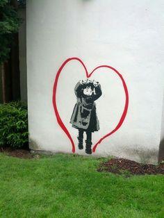 dit is autonome kunst omdat het streetart is. en dat is meestal wel autonoom