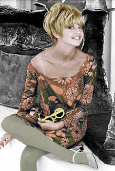 Goldie Hawn ~ Sock-it-to-me baby!