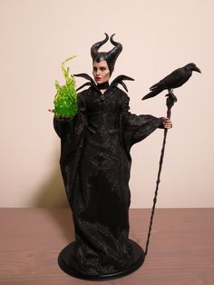 Wings Not Included: Our Review Of The Sideshow Collectibles Maleficent Sixth Scale Figure by Hot Toys | Page 2 | The Mary Sue Mary Sue, Sideshow Collectibles, Childhood Toys, Maleficent, Goth, Wings, Statue, Angelina Jolie, Gothic