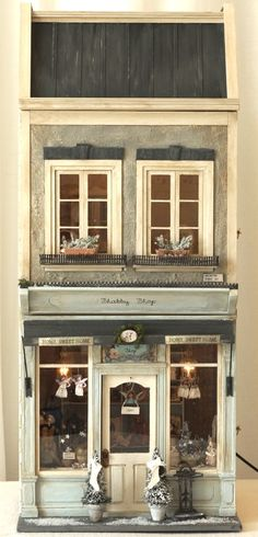 Shabby Shop 27 dollhouse How quaint Vitrine Miniature, Miniature Rooms, Miniature Houses, Dolls House Shop, Mini Doll House, Dollhouse Dolls, Dollhouse Miniatures, Shabby, Shop Fronts