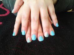 Unhas de cor azul c/ gllitter *