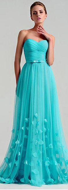 Attractive Tulle Sweetheart Neckline A-line Prom Dresses With 3D Flowers & Bowknot