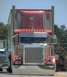 Peterbilt custom 379 with matching reefer-SR