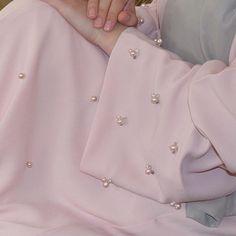 Pearl Abaya Details. #EsteeAudra