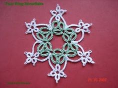 Isn't this pretty? Time to tat for Christmas! Designed by Wendy Durell. Rings and split rings! Link to the pattern here.