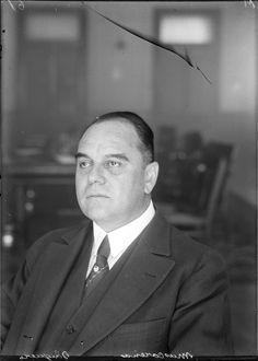El 26 de diciembre de 1944 murió en la CDMX el guaymense Alberto Mascareñas, pilar de la banca mexicana. Nació en Guaymas en 1876 y participó como regidor en el primer ayuntamiento revolucionario de 1911. Fue diplomático hasta que en 1924 fundó el Banco de México y fungió como el 1er gerente. También creó el 1er Departamento de Turismo y la Escuela Bancaria y Comercial.