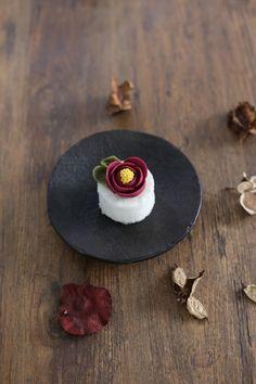 """korean flower rice cake """"camellia"""""""